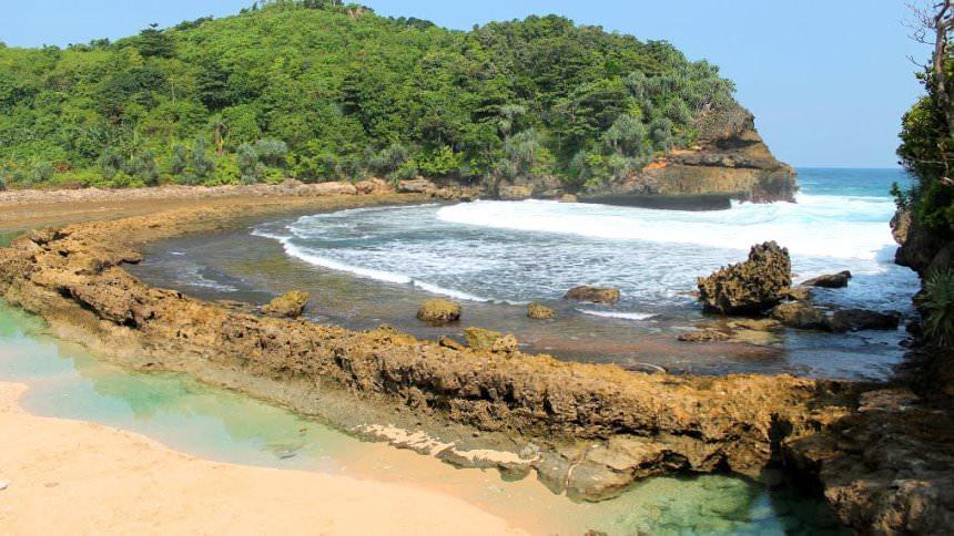 Pantai Batu Bengkung Pantai Batu Bengkung Cover - Dolan Dolen