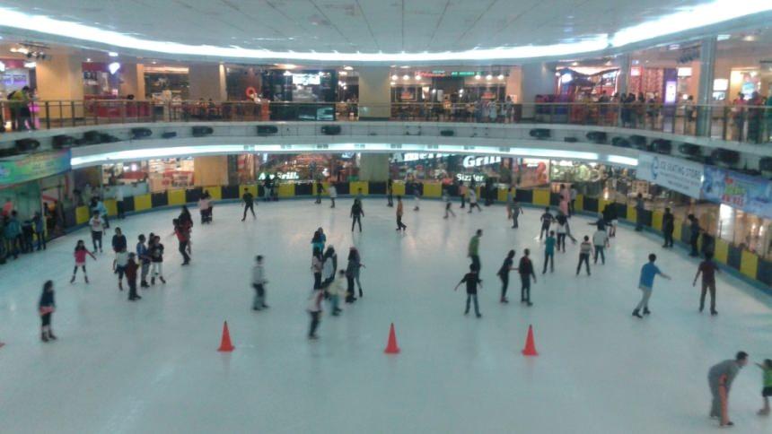 Ice Skating Sky Rink Mall Taman Anggrek Ice Skating Sky Rink Mall Taman Anggrek - Dolan Dolen