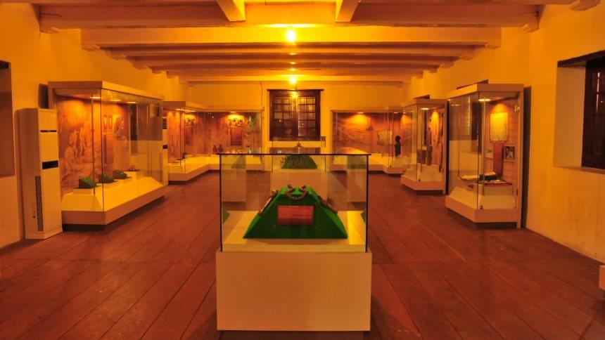 Museum La Galigo Museum La Galigo - Dolan Dolen