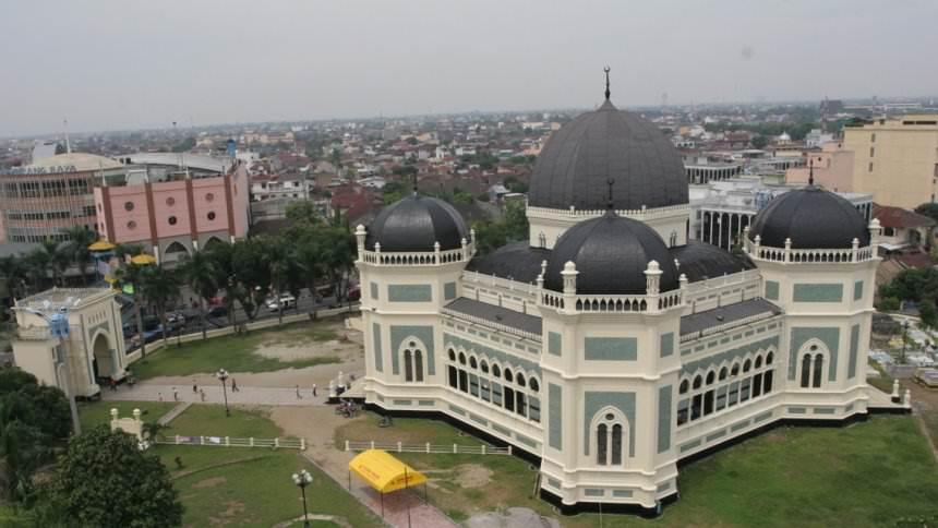Masjid Raya Al Mashun Masjid Raya Al Mashun - Dolan Dolen