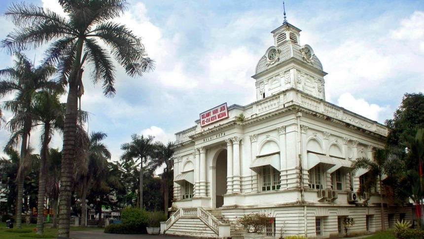 Gedung Balai Kota Lama Medan Gedung Balai Kota Lama Medan - Dolan Dolen