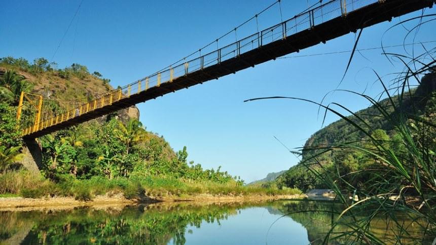 Jembatan Gantung Selopamioro Jembatan Gantung Selopamioro - Dolan Dolen