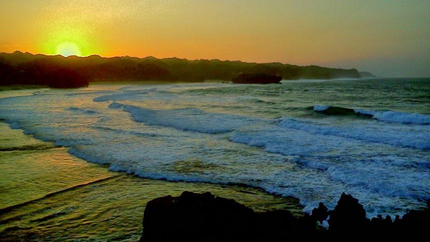 Pantai Krakal Sunrise Pantai Krakal Sunrise - Dolan Dolen