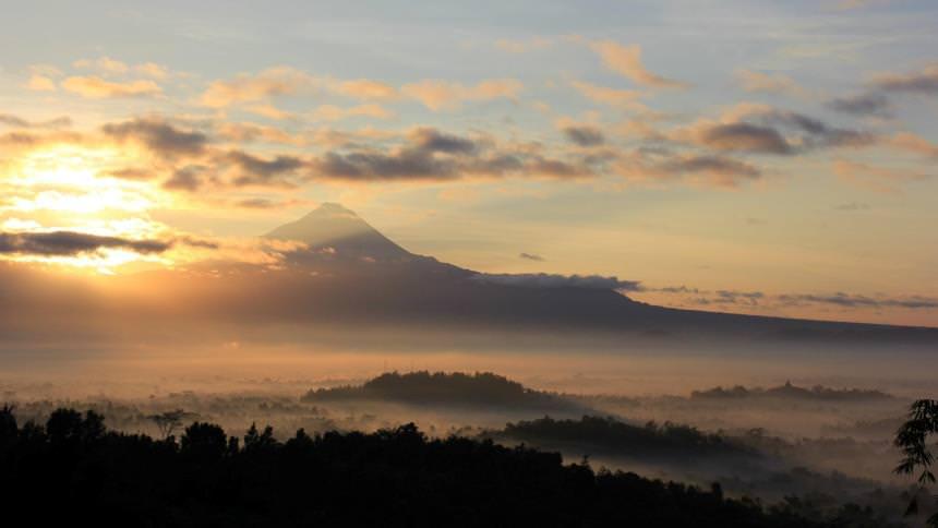 Punthuk Setumbu Nirwana Sunrise Punthuk Setumbu Nirwana Sunrise - Dolan Dolen