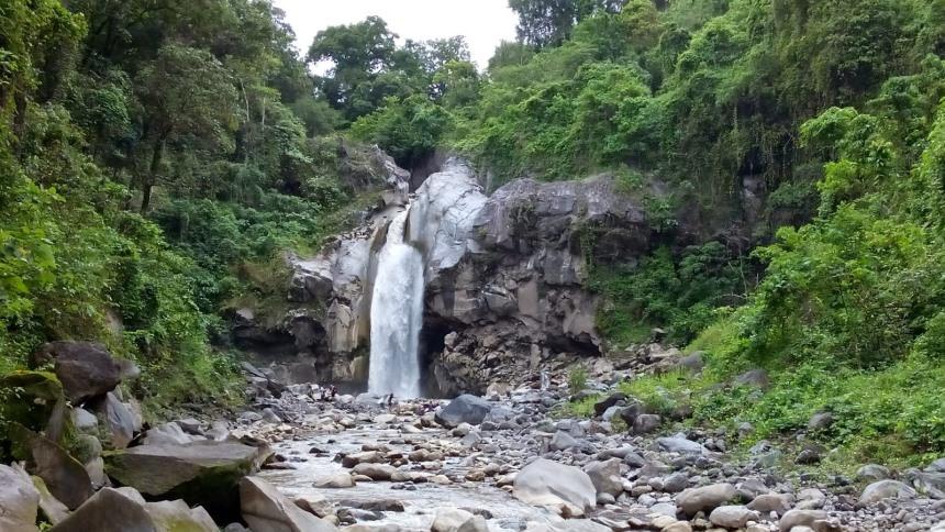 Air Terjun Mangku Sakti Air Terjun Mangku Sakti - Dolan Dolen