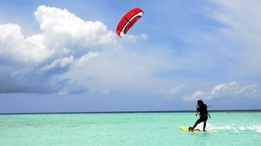 Kite Surfing Bintan Kite Surfing Bintan - Dolan Dolen