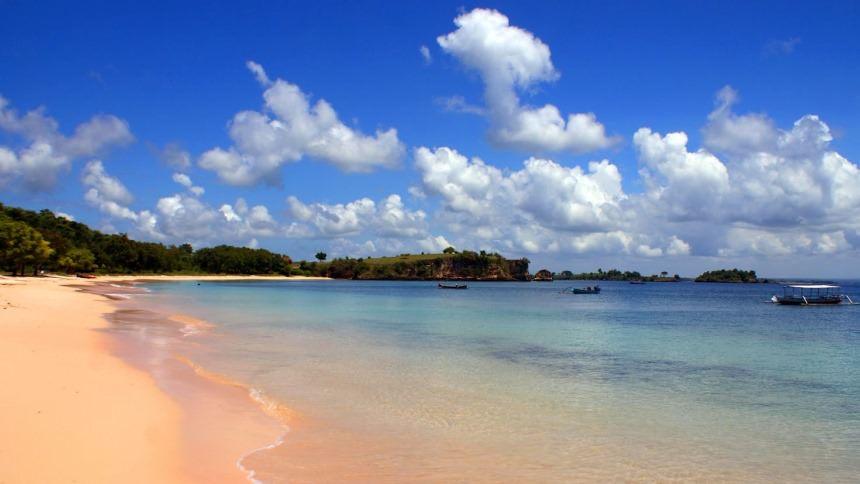 Pantai Tangsi Pink Beach Pantai Tangsi Pink Beach - Dolan Dolen