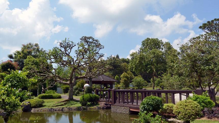 Taman Bunga Nusantara Taman Jepang Taman Bunga Nusantara Taman Jepang - Dolan Dolen