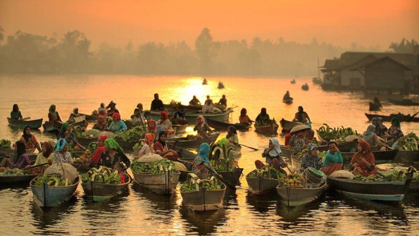 Floating Market Banjarmasin Floating Market Banjarmasin - Dolan Dolen