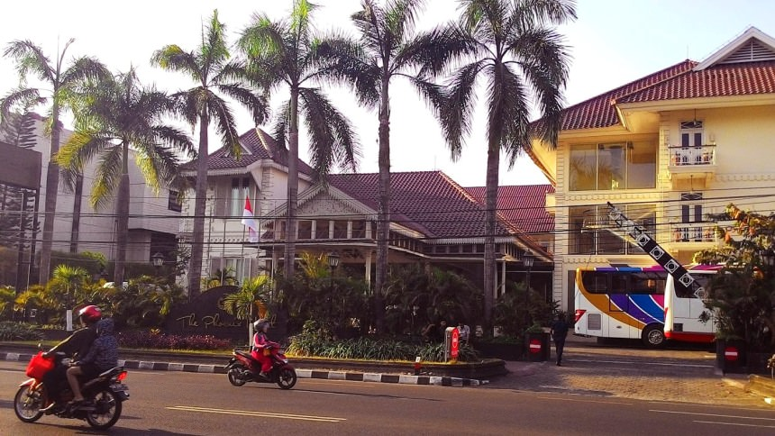 Lokasi The Phoenix Hotel Yogyakarta Lokasi The Phoenix Hotel Yogyakarta - Dolan Dolen
