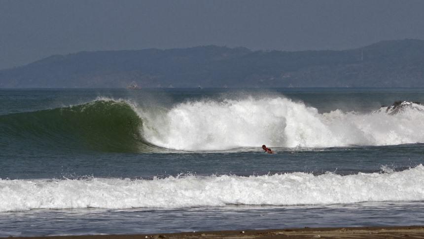 Pelabuhan Ratu Surfing Pelabuhan Ratu Surfing - Dolan Dolen