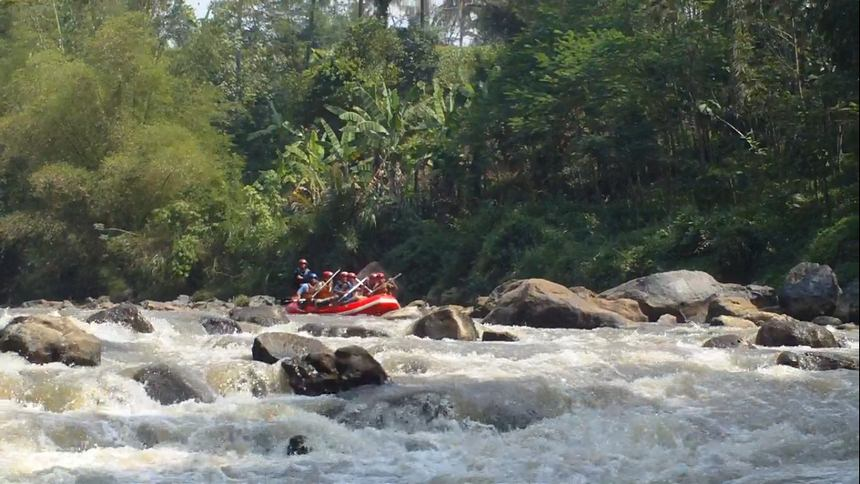 Arung Jeram Sungai Cimanuk, Garut Arung Jeram Sungai Cimanuk - Dolan Dolen