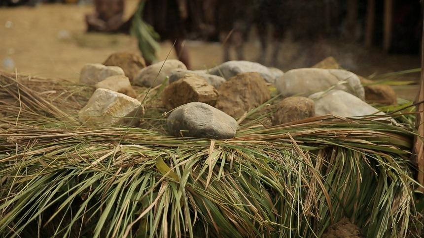 Bakar Batu Lembah Baliem Bakar Batu Lembah Baliem - Dolan Dolen
