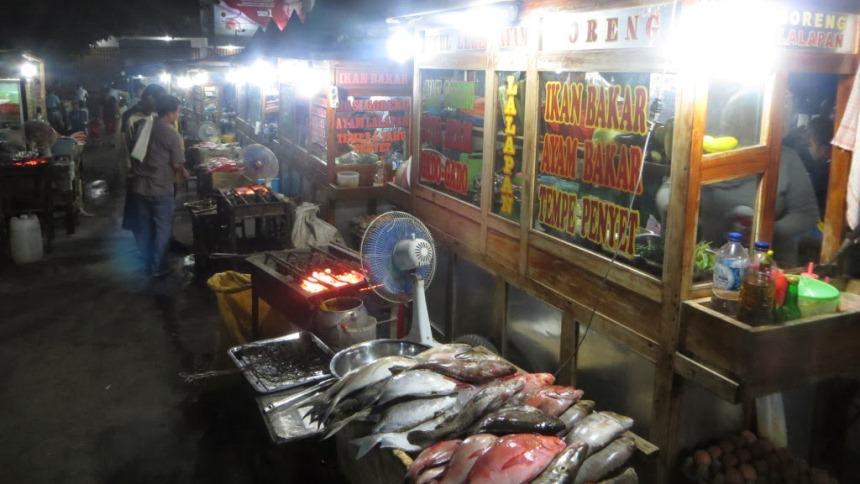 Pasar Kampung Solor Pasar Kampung Solor - Dolan Dolen