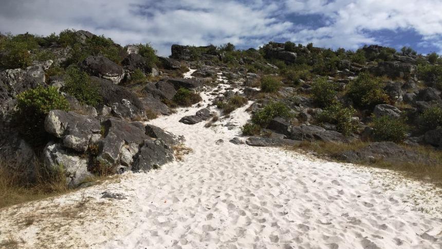Pasir Putih Lembah Baliem Pasir Putih Lembah Baliem - Dolan Dolen
