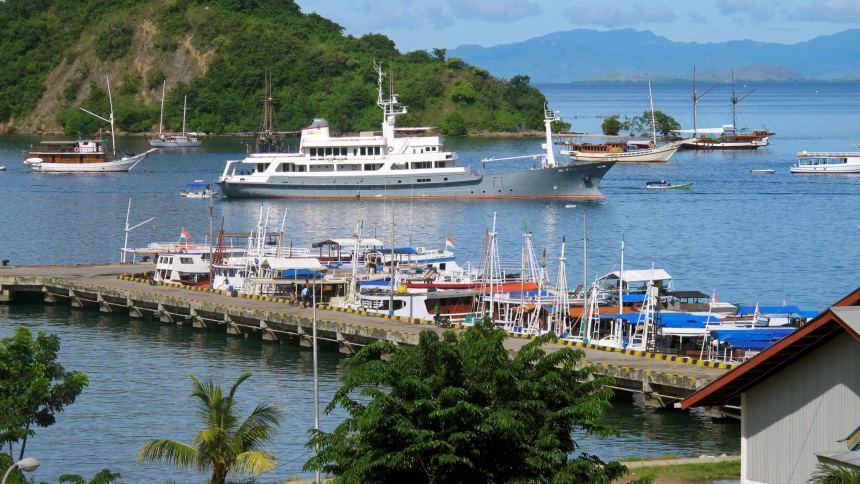 Pelabuhan Labuan Bajo Pelabuhan Labuan Bajo - Dolan Dolen