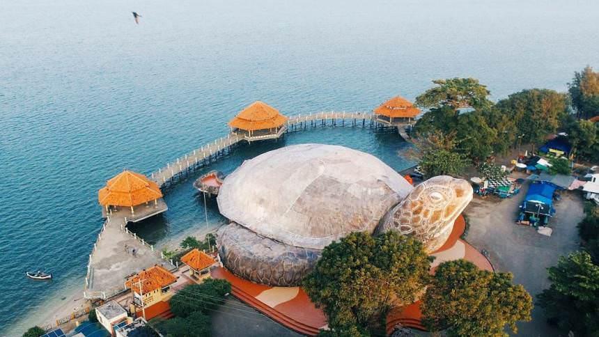 Pantai Kartini Pantai Kartini - Dolan Dolen