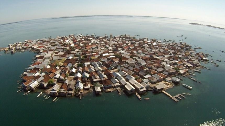 Padatnya Pulau Bungin Padatnya Pulau Bungin - Dolan Dolen