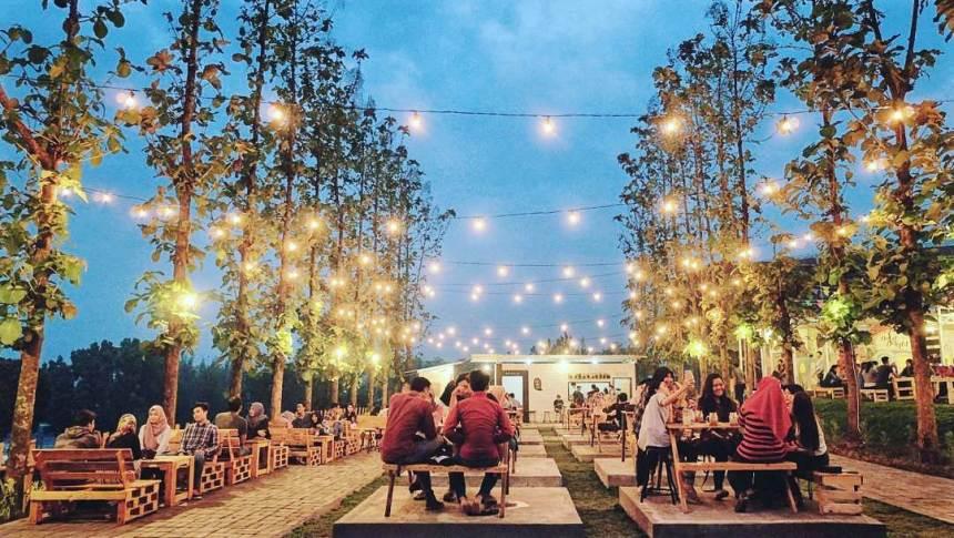 Cafe Bukit Delight Malang Bukit Delight via Ila Nafis Dolandolen - Dolan Dolen