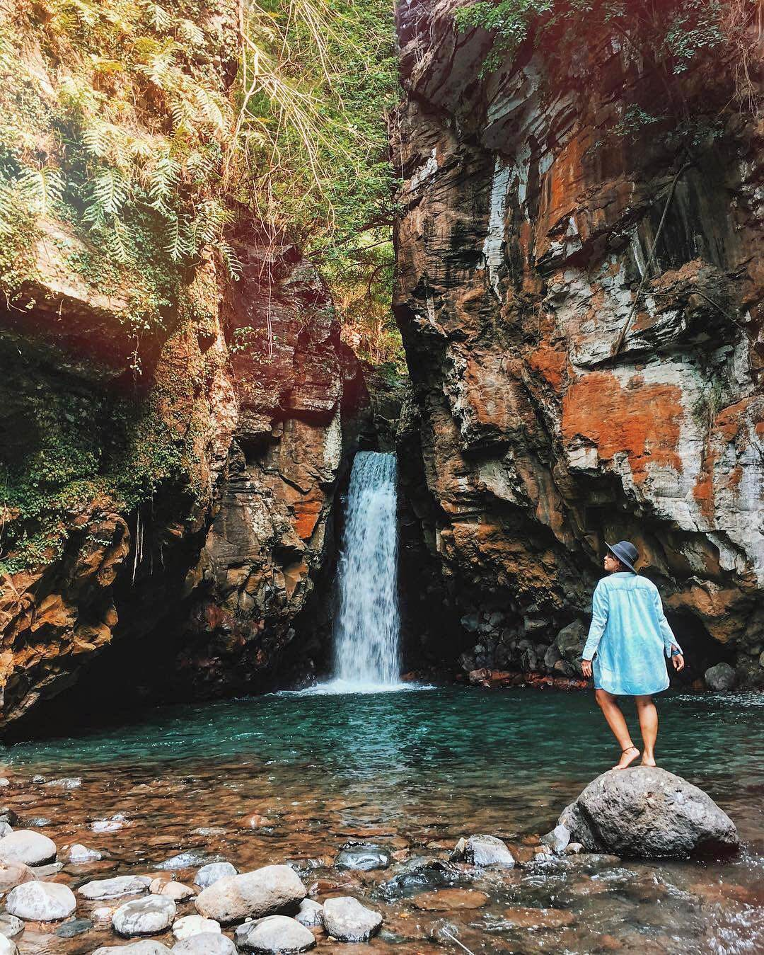 Tembok Barak Waterfall, Buleleng - Bali Air Terjun Tembok Barak Sambangan by Yesy Sinta Dolaners - Dolan Dolen