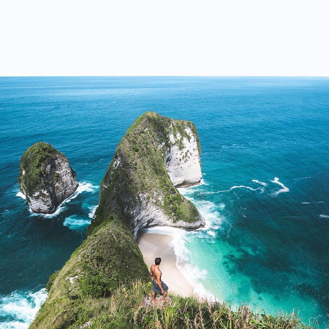 Atuh Beach and Karang Dawa - Nusa Penida Karang Dawe Nusa Penida by Sasha Juliard Dolaners - Dolan Dolen