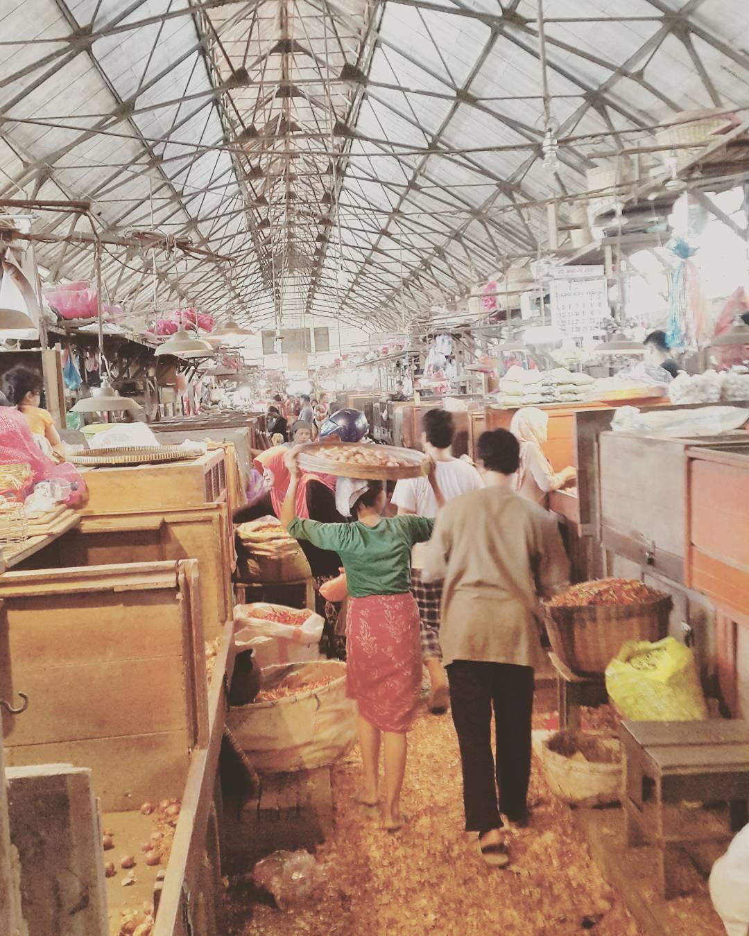 Belanja Grosir, Grosir Surabaya, Belanja di Surabaya, Dolan Dolen, Dolaners Belanja Grosir via dwikyap - Dolan Dolen
