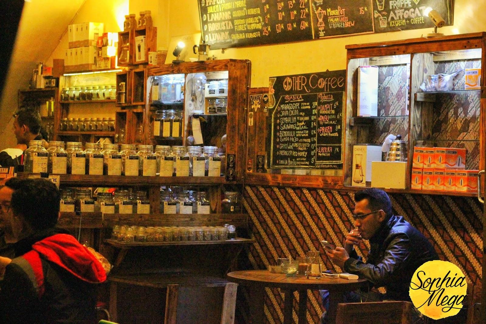 Cafe DW Coffee Kota Malang DW Coffee - Dolan Dolen