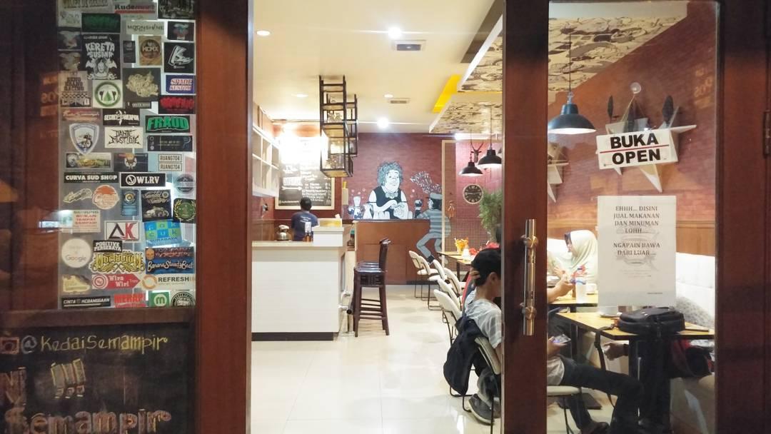 Kedai Semampir Surabaya, Kedai Semampir, Surabaya, prewed, Dolan Dolen, Dolaners Kedai Semampir Surabaya via kedaisemampir - Dolan Dolen