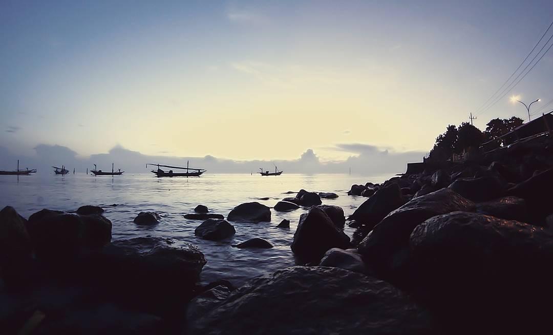 Pantai Kenjeran Lama, Pantai Kenjeran, Pantai Kenjeran, Pantai Kenjeran Surabaya, weekend, Dolan Dolen, Dolaners Pantai Kenjeran Lama by anrowdwicahya - Dolan Dolen