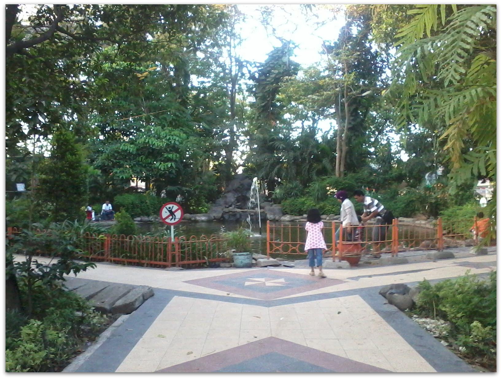 kebun bibit surabaya, taman flora, taman instagenic, foto-foto, dolaners, dolan dolen kebun bibit surabaya via ines komala siti hanifa - Dolan Dolen