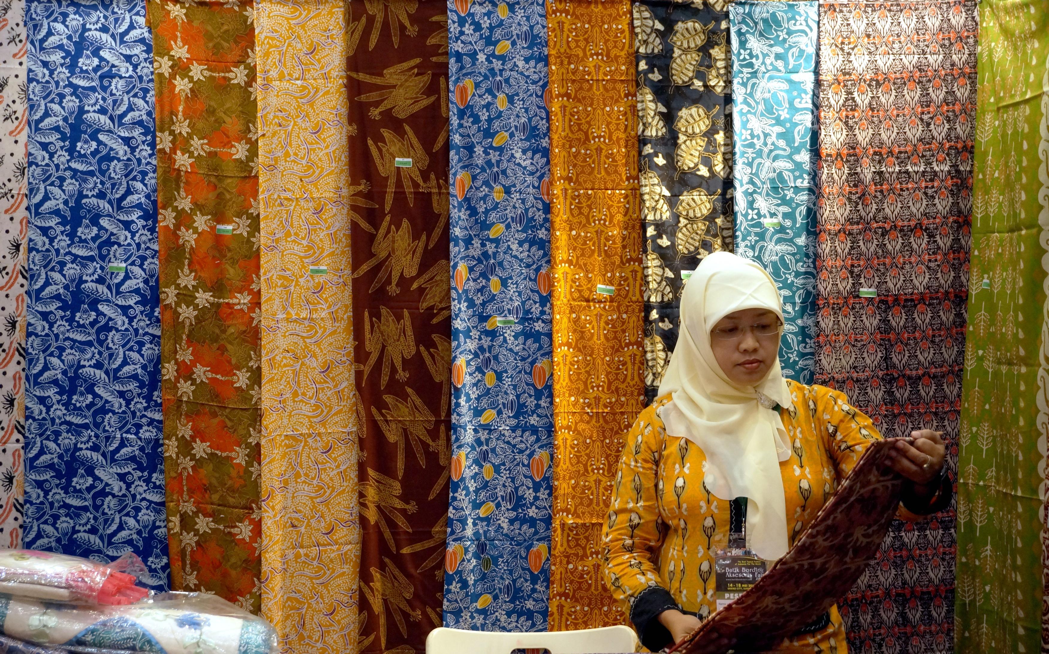 batik, pesan batik, bati surabaya, rumah batik surabaya, rumah batik jawa timur, dolaners, dolan dolen pesan batik via beritadaerah - Dolan Dolen