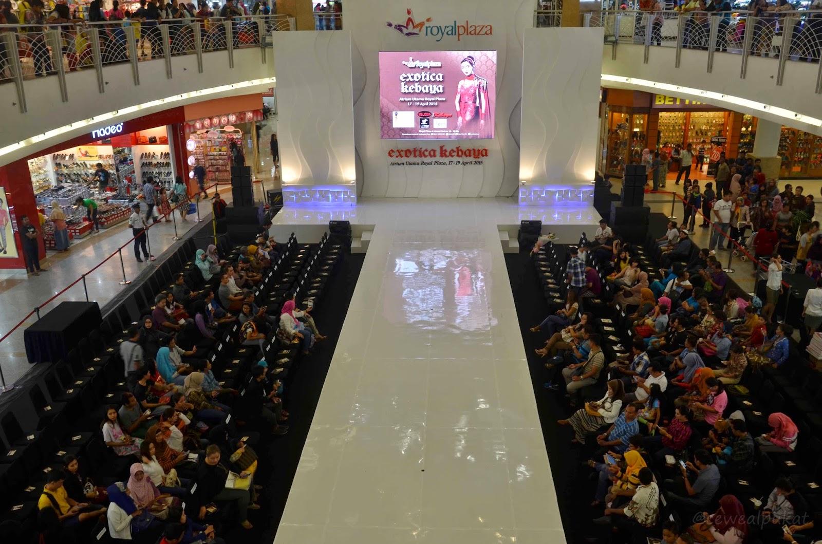 royal plaza, surga belanja, surga belanja surabaya, mall, pusat perbelanjaan, dolan dolen, dolaners royal plaza via trendkebaya - Dolan Dolen