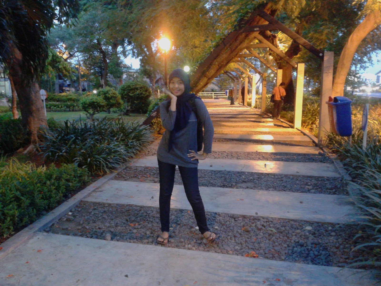 taman pelangi, taman pelangi surabaya, taman instagenic, kota surabaya, dolan dolen, dolaners taman pelangi surabaya via indah haya - Dolan Dolen