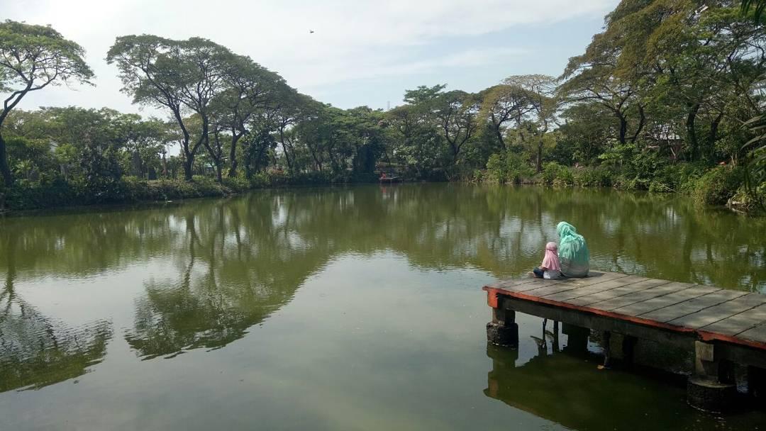 Banyak Taman, Taman Surabaya, Taman Kota Surabaya, Dolan Dolen, Dolaners Banyak Taman via salaswonderful - Dolan Dolen