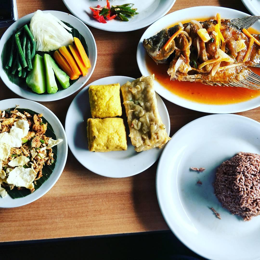 Masakan Kampoeng Sawah, Kampoeng Sawah Bandung, Bandung, Kota Bandung, Dolan Dolen, Dolaners Kampoeng Sawah via dinoyesha - Dolan Dolen