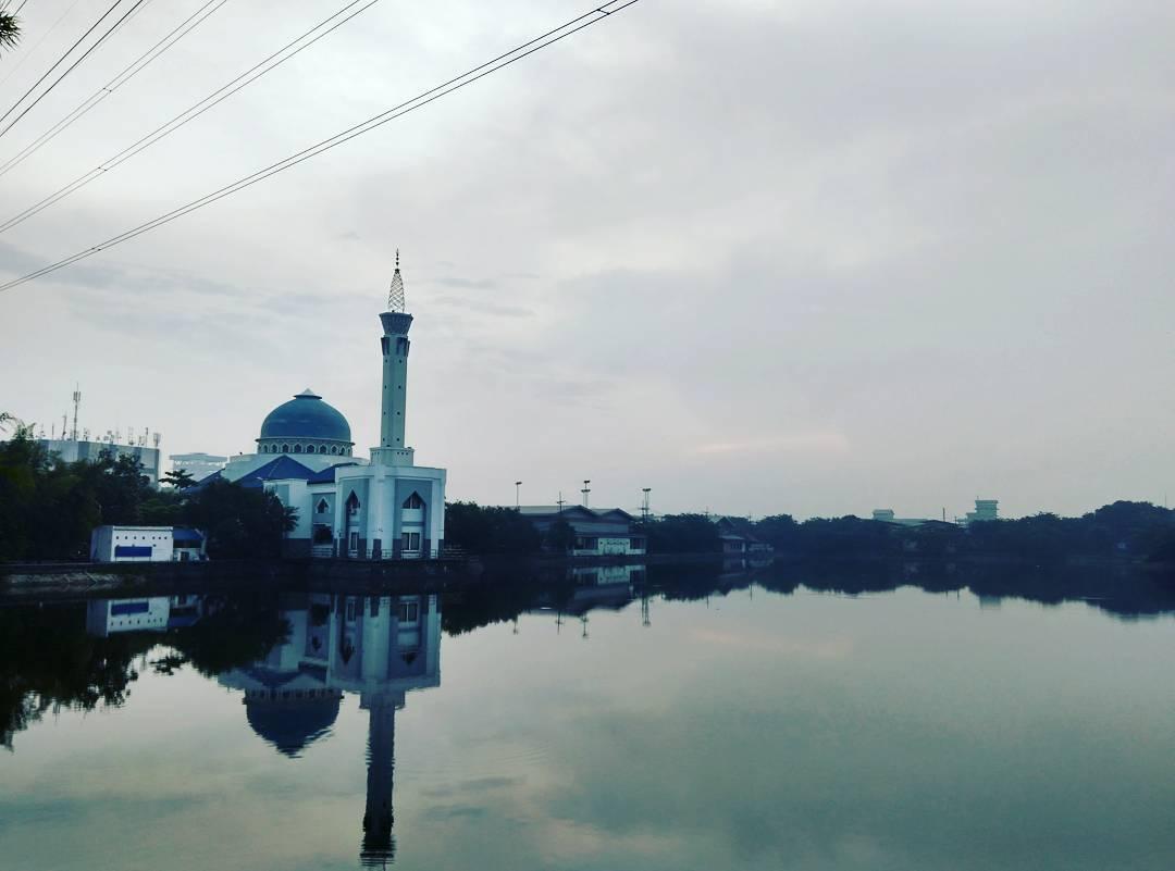 Masjid Baiturrozaq Surabaya, Masjid Baiturrozaq, Dolan Dolen, Dolaners Masjid Baiturrozaq by anisasuciwa - Dolan Dolen