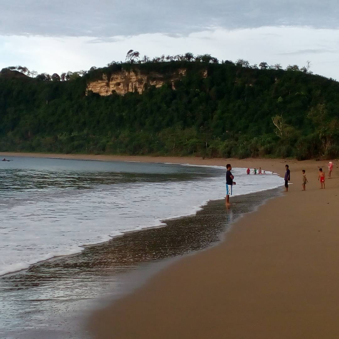 Menjelajah Tebing Pantai Tamban, Pantai Tamban, Pantai Tamban Malang, Malang, Kabupaten Malang, Dolan Dolen, Dolaners Menjelajah Tebing Pantai Tamban via nursamsururi - Dolan Dolen