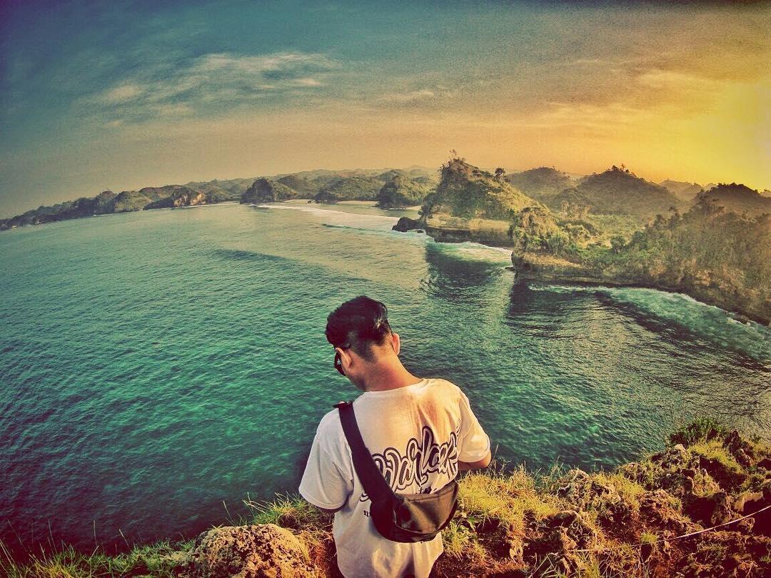 Pantai Batu Bengkung, Pantai Batu Bengkung Malang, Dolan Dolen, Dolaners Pantai Batu Bengkung via djeckydjatmikoe - Dolan Dolen