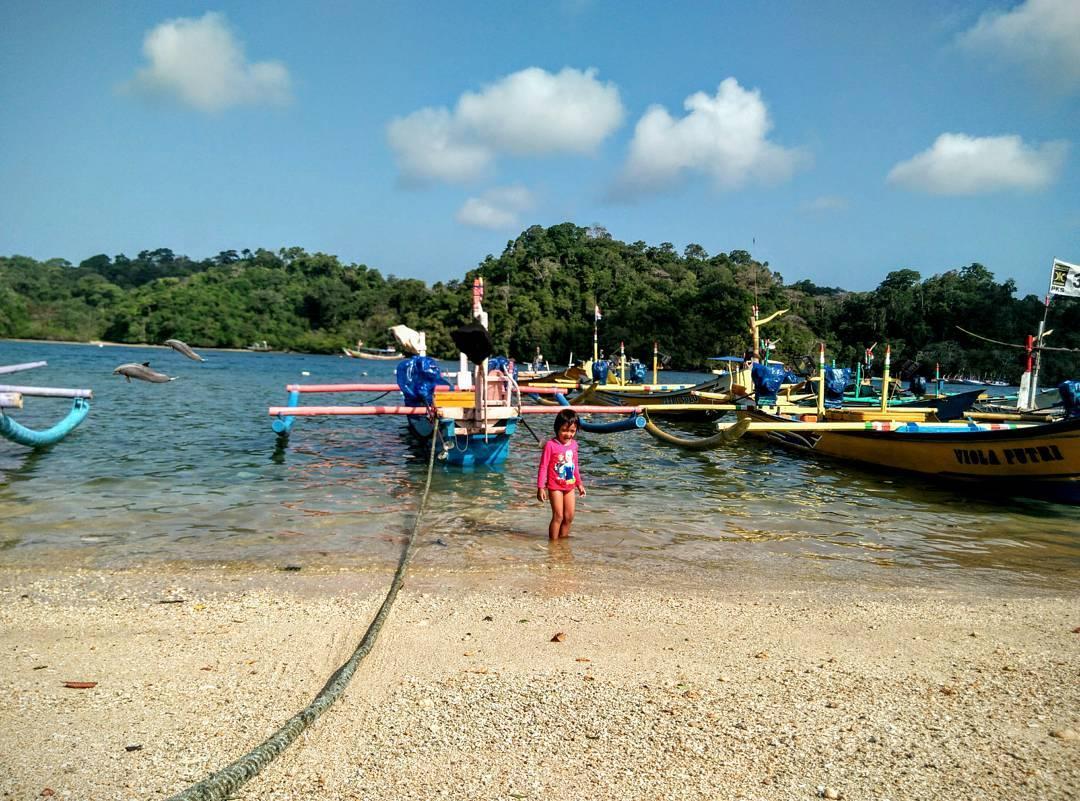 Pantai Sendang Biru, Pantai Sendang Biru Malang, Dolan Dolen, Dolaners Pantai Sendang Biru via samsul - Dolan Dolen