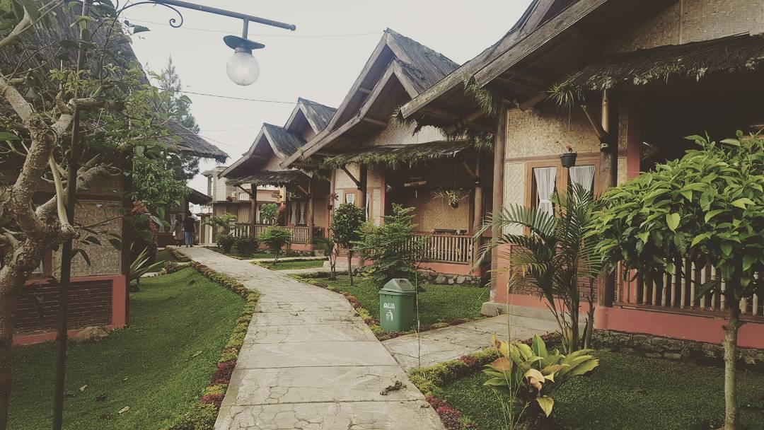 Saung Gawir, Saung Bandung, Bandung, Kota Bandung, Dolan Dolen, Dolaners Saung Gawir via aisyamahfud - Dolan Dolen