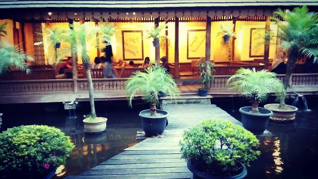 Sindang Reret, Sindang Reret Bandung, Restoran Sindang Reret, Bandung, Kota Bandung, Dolan Dolen, Dolaners Sindang Reret via ansoorry - Dolan Dolen