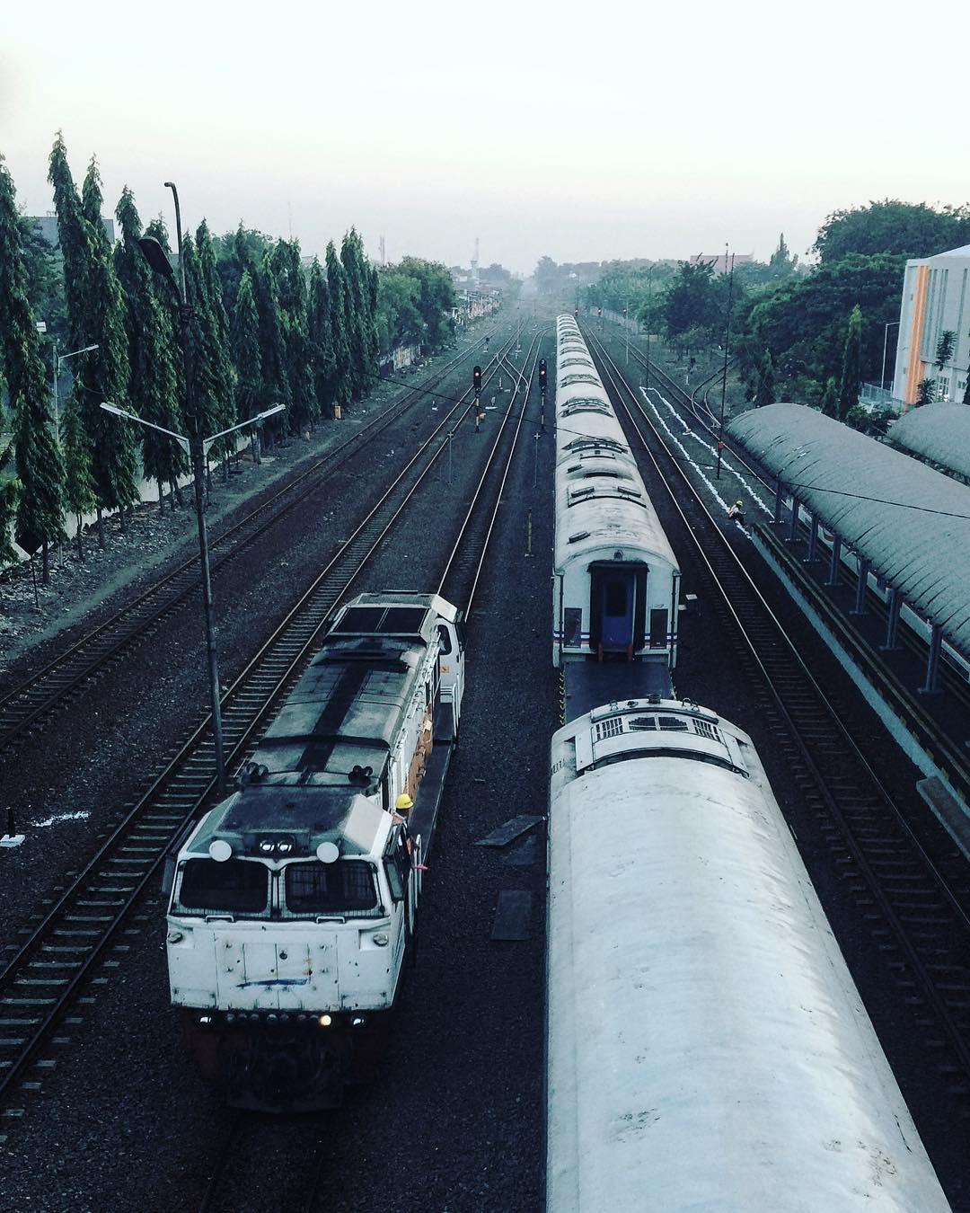 Stasiun Gubeng Surabaya, Stasiun Gubeng, Gubeng Surabaya, Dolan Dolen, Dolaners Stasiun Gubeng Surabaya by afreesetyad - Dolan Dolen