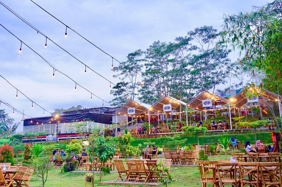 Cokelat Klasik Cafe & Garden, Malang Raya, Dolan Dolen, Dolaners Cokelat Klasik Cafe Garden via cokelatklasikcafe - Dolan Dolen