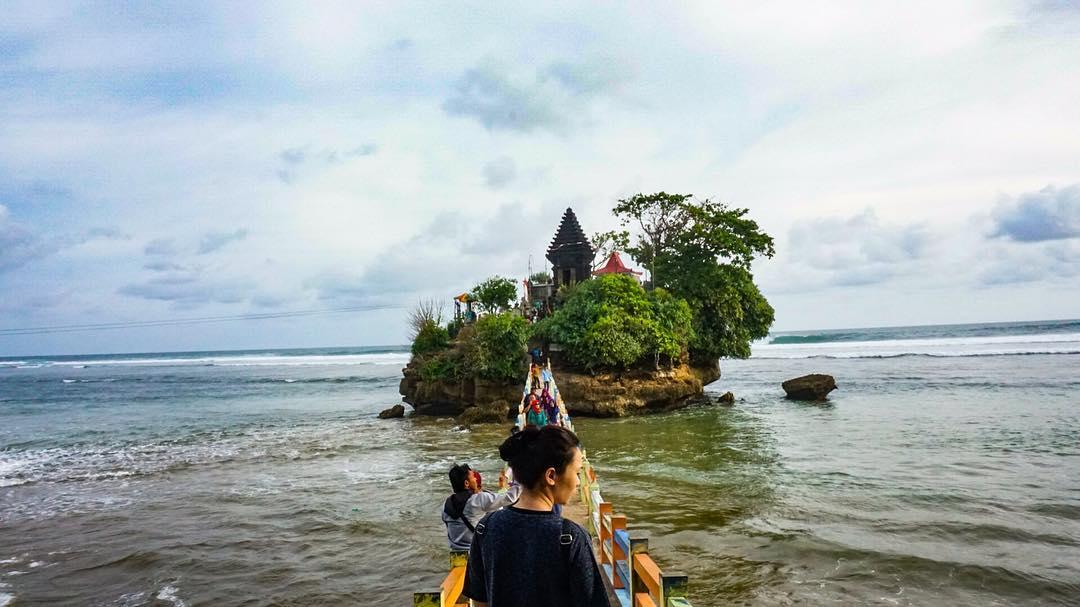 Pantai Balekambang, Pantai Balekambang Malang, Kabupaten Malang, Malang Raya, Dolan Dolen, Dolaners Pantai Balekambang via melfintan - Dolan Dolen