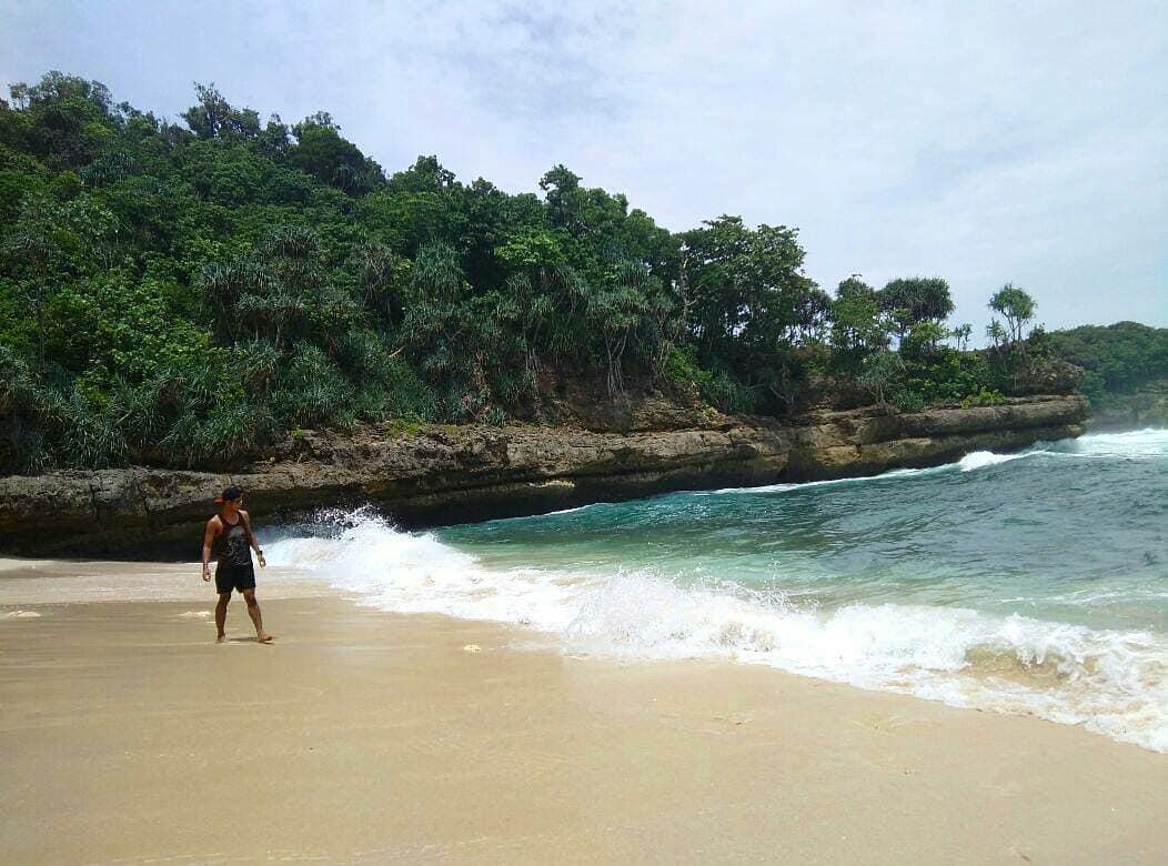 Pantai Ngliyep, Pantai Ngliyep Malang, Malang, Dolan Dolen, Dolaners Pantai Ngliyep via minho agus - Dolan Dolen