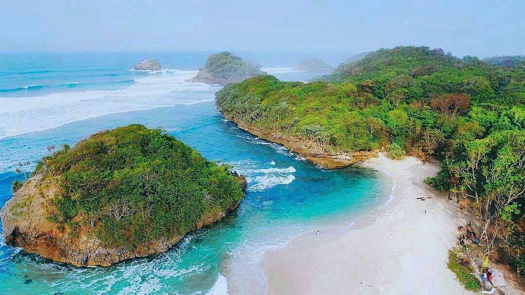 Pantai Bantol Malang, Kabupaten Malang, Dolan Dolen, Dolaners Pantai Bantol Malang via rifkydoglekk - Dolan Dolen