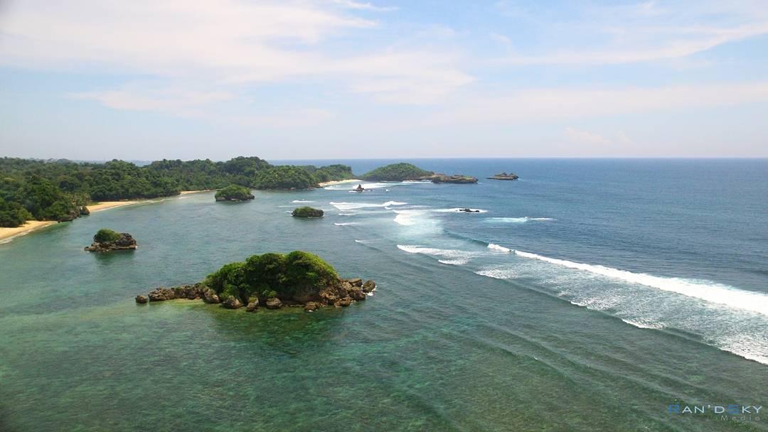 Pantai Banyu Meneng, Pantai Banyu Meneng Malang, Malang, Kabupaten Malang, Dolan Dolen, Dolaners Pantai Banyu Meneng via randy kirigaya - Dolan Dolen