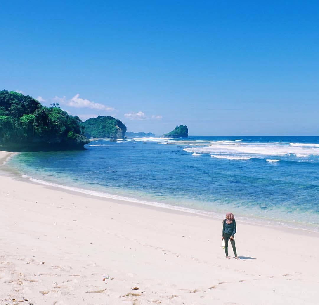Pantai Pulodoro, Pantai Pulodoro Malang, Kabupaten Malang, Dolan Dolen, Dolaners Pantai Pulodoro via laykaikaa - Dolan Dolen