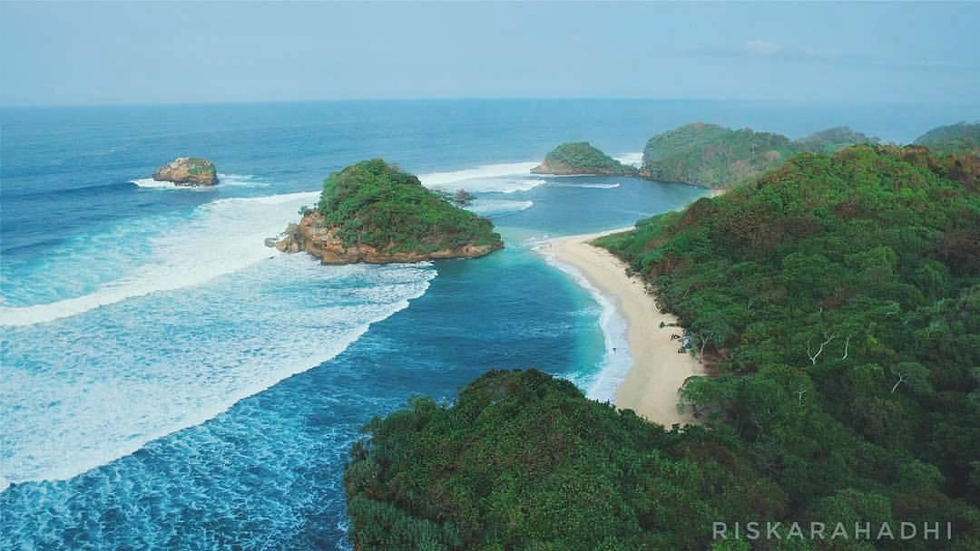 Pantai Pulodoro, Pantai Pulodoro Malang, Kabupaten Malang Dolan Dolen, Dolaners Pantai Pulodoro via riskarahadhi - Dolan Dolen
