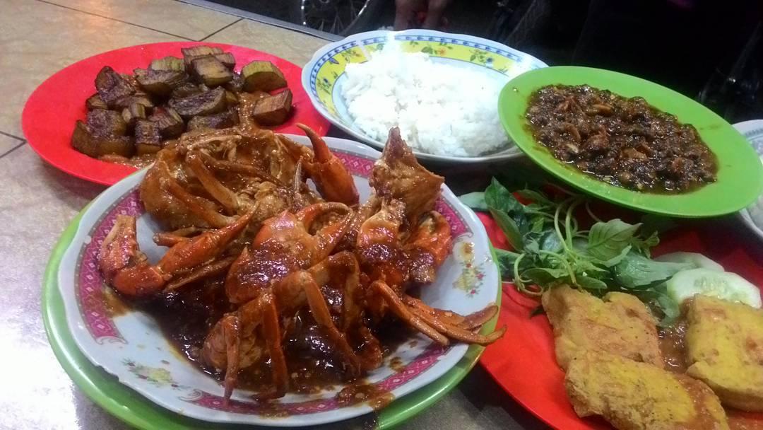 Warung Lamongan Cak Rie, Kota Malang, Dolan Dolen, Dolaners Warung Lamongan Cak Rie Malang via lindasiipo - Dolan Dolen